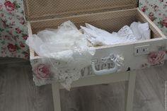 Купить Чемодан - белый, розовый, shabby chic, шебби-шик, шебби, прованс, чемодан, чемоданчик