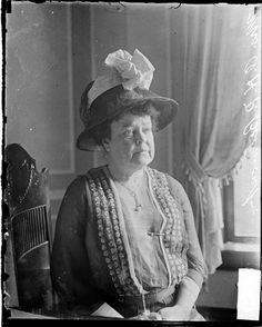 Chicago Daily News, Inc., photographer.   1916 June 6.  SUMMARY  Portrait of feminist leader and suffragist Alva Erskine Smith Vanderbilt Belmont (Mrs. Oliver H. P. Belmont), sitting in a room in Chicago, Illinois.