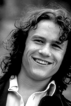 "Who doesn't love Heath Ledger in Things I Hate About You"" ! Pretty Men, Beautiful Men, Heath Ledger Joker, Chad Michael Murray, Good Movies, 90s Movies, Portraits, Good Looking Men, Cute Guys"
