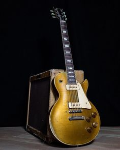 Fender Stratocaster, Fender Bass, Archtop Guitar, Guitar Logo, Guitar Amp, Cool Guitar, Gibson Electric Guitar, Gibson Guitars, Electric Guitars