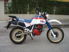 Images gallery of 1986 HONDA Image and navigation by next or previous images. Classic Honda Motorcycles, Honda Motorbikes, Cars Motorcycles, Enduro Motorcycle, Motorcycle Camping, Dual Sport, Dirtbikes, Bike Trails, Motorcycle Accessories