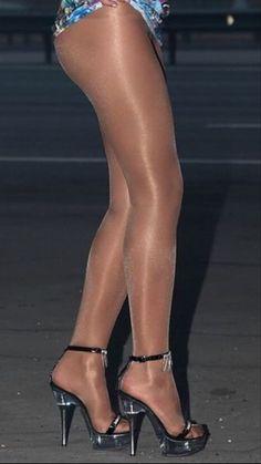 Pantyhose Fashion, Nylons And Pantyhose, Toe Polish, Stockings Heels, Great Legs, Hosiery, Sexy, Tights, Women Wear