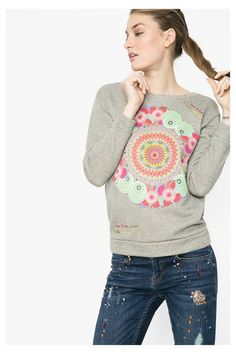 Desigual Women's gray spring sweatshirt. Discover the spring-summer 2016 collection!