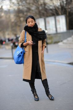 PFW Street Style Day One: Margaret Zhang knows the chic way to bundle up is with a classic camel coat. Best Winter Coats, Winter Coats Women, Coats For Women, Fashion Week Paris, Camel Coat Outfit, Classic Trench Coat, Cute Coats, Sweater Weather, Types Of Fashion Styles