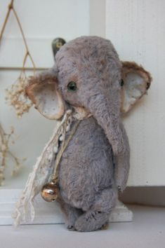 Stuffed Animals Crafts PDF Sewing Pattern for 6 inch Vintage Elephant par noblefabric - sewing pattern for vintage elephant designed by Olga Orel English instructions on all my patterns, fully jointed, will send to your email address Sewing Toys, Sewing Crafts, Sewing Projects, Sewing Tutorials, Sewing Stuffed Animals, Stuffed Animal Patterns, Vintage Sewing Patterns, Doll Patterns, Baby Animals