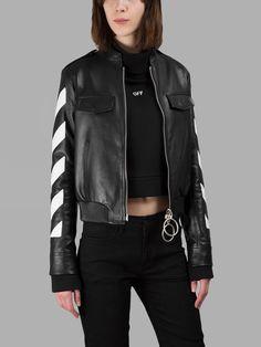 Wie findest du #Outfits mit #schwarzen #Jacken? Hier sind unsere Tipps: https://www.stylishcircle.de/blog/outfit-mit-schwarzer-jacke