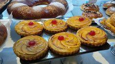 ¿Qué meriendas hoy? #tartademanzana de El Pozo power   #pastelería #Madrid