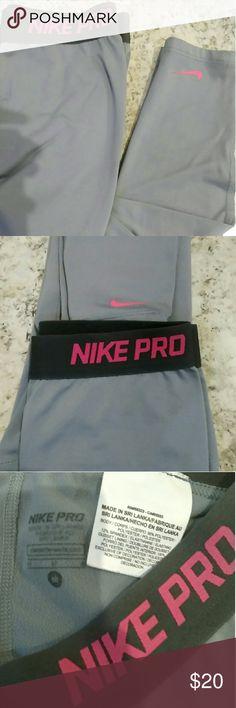 Nike pro cropped capri leggings like new sz m Nike pro cropped capri leggings like new sz m Nike Pants