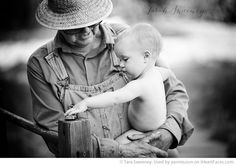 Grandparents Photography Ideas via iHeartFaces.com - Portrait Photography by Tarah Sweeney Photography