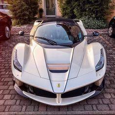 🌟🌟La Ferrari 🌟🌟 Cian ✂ 🚘 by best cars Ferrari Laferrari, Lamborghini Cars, Maserati, Bugatti, Super Sport Cars, Cool Sports Cars, Cool Cars, Supercars, Porsche