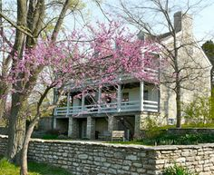 The Daniel Boone Home is nestled upon the rolling hills of wine country and overlooks the Femme Osage Valley. This beautiful setting represents life in the early from its adventures to its lifelong struggles. Great Places, Places To See, Beautiful Places, Jefferson City, Sea To Shining Sea, Heritage Center, Weekend Trips, Historic Homes, Wine Country