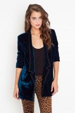 Blazer, love how the fabric make it so unstructured!