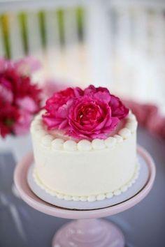 torta decorada con flores