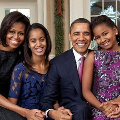 Malia Obama (second from left) poses with her family in the Oval Office: President Barack Obama, First Lady Michelle Obama, and her sister Sasha (right). Malia Obama, Barack Obama Family, Obama President, Obamas Family, Andrew Jackson, Jodie Foster, Donald Trump, Betty Cooper, Ronald Reagan