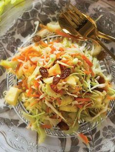 Πολίτικη σαλάτα | Συνταγές, Σαλάτες | athenarecipes Cabbage, Salads, Vegetables, Healthy, Recipes, Food, Recipies, Essen, Cabbages