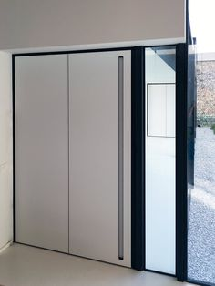 1000 images about portes pivotantes portes int rieures sur pivot on pinterest pivot doors. Black Bedroom Furniture Sets. Home Design Ideas