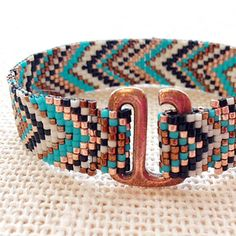 Beautiful use of TierraCast E Hook in this project from Fusion Beads! Bead Loom Patterns, Peyote Patterns, Jewelry Patterns, Bracelet Patterns, Beading Patterns, Embroidery Patterns, Fusion Beads, Loom Bands, Seed Bead Jewelry