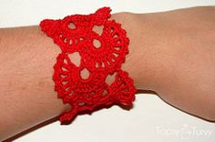 queen anne's lace thread crochet bracelet pattern by Ashlee Prisbrey