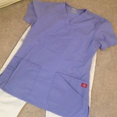 SALE - Dickies scrub SET XS/XS Reduced price, final offer!!! Dont wear anymore. Both are a x-small but fits like a regular small for anyone. Flaw: the third picture with a minor mark, not noticeable especially working in the medical field it doesnt matter. NOTE: The pants are for a person that is 5'4 or shorter. Im too tall.                📦Get it cheaper on V i n t e d Dickies Other