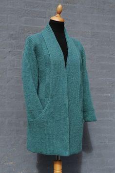 Ladies Cardigan Knitting Patterns, Knitting Stitches, Knitting Designs, Knit Patterns, Hand Knitting, Knit Wrap Pattern, Crochet Cardigan Pattern, Knitted Coat, Mohair Sweater