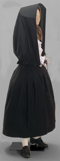 Traje feminino- Mulher com bioca (manta)
