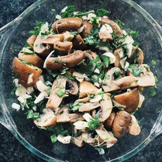 Salada cogumelos marinados