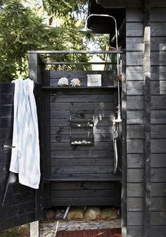 Nice 50+ Awesome Outdoor Showers to Spice Up Your Backyard https://homedecormagz.com/50-awesome-outdoor-showers-to-spice-up-your-backyard/