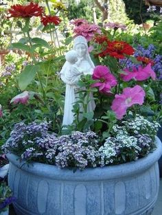 Marie's Marché: Blessed Mary Garden