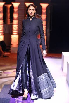 Indian outfits ideas for women are becoming a trend current 14 Indian Gowns, Pakistani Dresses, Indian Attire, Indian Outfits, Indian Wear, Indian Designer Outfits, Designer Dresses, Stylish Dresses, Fashion Dresses