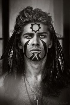 :: pict by ~hakueizm - logangaiarpg Shaman; this is somewhat how I see Herne-Cernunnos' face when he assumes human form. this is somewhat how I see Herne-Cernunnos' face when he assumes human form. The Face, Face And Body, Tribal Makeup, Male Witch, War Paint, Gods And Goddesses, Larp, Body Painting, Character Inspiration