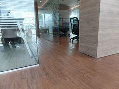 Oficina de Abogados One Plaza PVC New Pecan