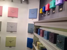 @OliviaEarl Gorgeous clocks from Leicestershire. See them at Home & Gift Hall Q pic.twitter.com/4Q8tdYrq0n