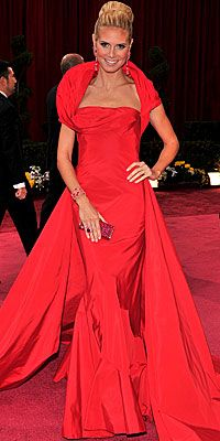 Google Image Result for http://img2.timeinc.net/instyle/images/2008/oscars/022408_klumt_200x400.jpg