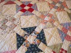 Sweet Mulitcolored BuTTeR CHuRN Quilt Quilting Patterns, Quilting Designs, Sewing Patterns, Antique Quilts, Vintage Quilts, Churn Dash Quilt, Scrappy Quilts, Quilt Making, Triangles