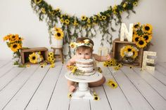 50 Trendy Baby First Birthday Party Ideas Smash Cakes Photo Shoot Sunflower Birthday Parties, Sunflower Party, First Birthday Parties, First Birthdays, Trendy Baby, Fete Emma, Baby Girl 1st Birthday, Baby Birthday Themes, Birthday Cakes