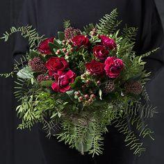 Christmas Wreaths, Holiday Decor, Home Decor, Decoration Home, Room Decor, Interior Design, Home Interiors, Christmas Garlands, Advent Wreaths
