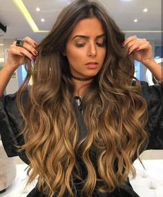 Balayage for brunettes Cabelo Ombre Hair, Balayage Hair, Wavy Hair, Dyed Hair, Long Ombre Hair, Hair Color And Cut, Pinterest Hair, Hair Dos, Gorgeous Hair