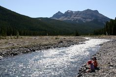 Family Adventures in the Canadian Rockies: Best Toddler/Preschooler Hikes Places To Travel, Places To Go, Best Campgrounds, Road Trip Destinations, Family Road Trips, Canadian Rockies, Family Adventure, Travel With Kids, The Great Outdoors