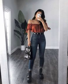 Outfit Inspo ft YMI Jeans jeans 🤘🏽which piece from this outfit would you steal from Winter Fashion Outfits, Edgy Outfits, Mode Outfits, Retro Outfits, Cute Casual Outfits, Simple Outfits, Fall Outfits, Cute Date Outfits, Basic Outfits