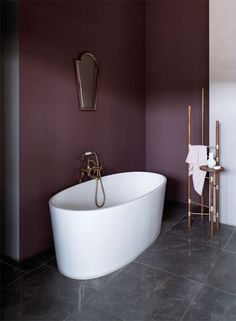 Explore stunning interior paint and wallpaper design inspirations from Paint & Paper Library. Like this luxury bathroom painted in rich brown-purple paint. Mauve Bathroom, Bird Bathroom, Purple Bathrooms, Purple Rooms, Bathroom Colors, Purple Bathroom Paint, Bathroom Closet, Bathroom Kids, Small Bathroom