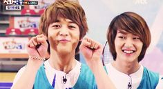 Minho Aegyo and Onew judging so hard in the background