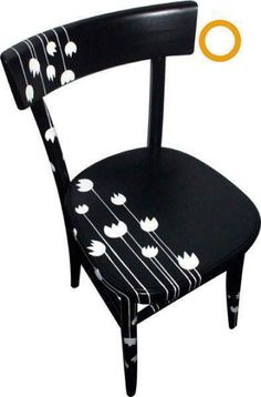 la vecchia sedia della nonna rivisitata BlackChair is part of Painted wooden chairs - Painted Wooden Chairs, Whimsical Painted Furniture, Hand Painted Furniture, Funky Furniture, Refurbished Furniture, Paint Furniture, Repurposed Furniture, Furniture Projects, Chair Makeover