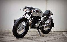 Races Style, Cafe Racing, Custom Bikes, Scorpio, Cars And Motorcycles, Yamaha, Bmw, Motorbikes, Running Style