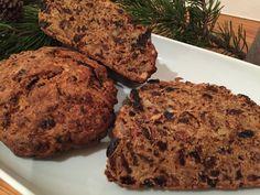 Apfelbrot ist eine sehr gutes, saftiges Herbst- und Winterbrot. Auch als Geschenk macht es sich wunderbar. Zur Apfelzeit im Herbst kann man auch ohne Probleme einen großen Schwung Apfelbrot backen, es dann einfrieren und bei Bedarf wieder auftauen.  Apfelbrot  Zutaten:     500 g Sweet Bakery, Winter Food, Mashed Potatoes, Banana Bread, Food To Make, Muffin, Cookies, Baking, Breakfast