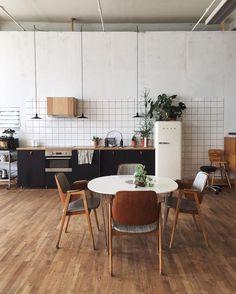Home Interior Design .Home Interior Design . Kitchen Tiles, New Kitchen, Kitchen Dining, Kitchen Decor, Kitchen Wood, Kitchen Counters, Round Kitchen, Design Kitchen, Dining Area