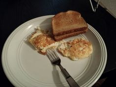 Who doesn't love some #caramelizedeggs #matchthetoast