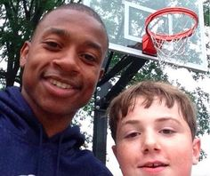 Isaiah Thomas Played Pickup With 14-Year-Old Kid In Boston - http://www.truesportsfan.com/isaiah-thomas-played-pickup-with-14-year-old-kid-in-boston/