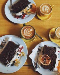 Ciasto kokosowe x4 (wegańskie, bez glutenu!) / Coconut cake (vegan, gf!) French Toast, Coconut, Vegan, Breakfast, Cake, Food, Food Food, Morning Coffee, Kuchen