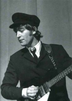 John Lennon, Rome, 27 June 1965 - The 📷 Marcello Geppetti Anfield Liverpool, John Lennon Beatles, The Beatles, Love John Lennon, Beatles Photos, Liverpool Clothing, Liverpool Vs Manchester United, Classic Rock, Champs