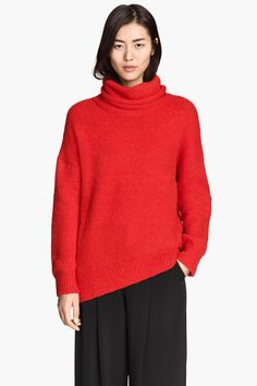 What To Buy At H&M For $50 Or Less #refinery29  http://www.refinery29.com/what-to-buy-at-hm-under-50-dollars#slide-13  All oversized everything.